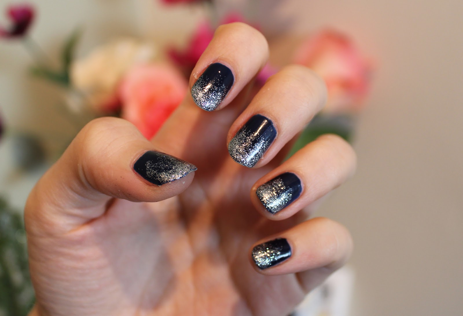 NAVY GLITTER NAILS – Lily Pebbles