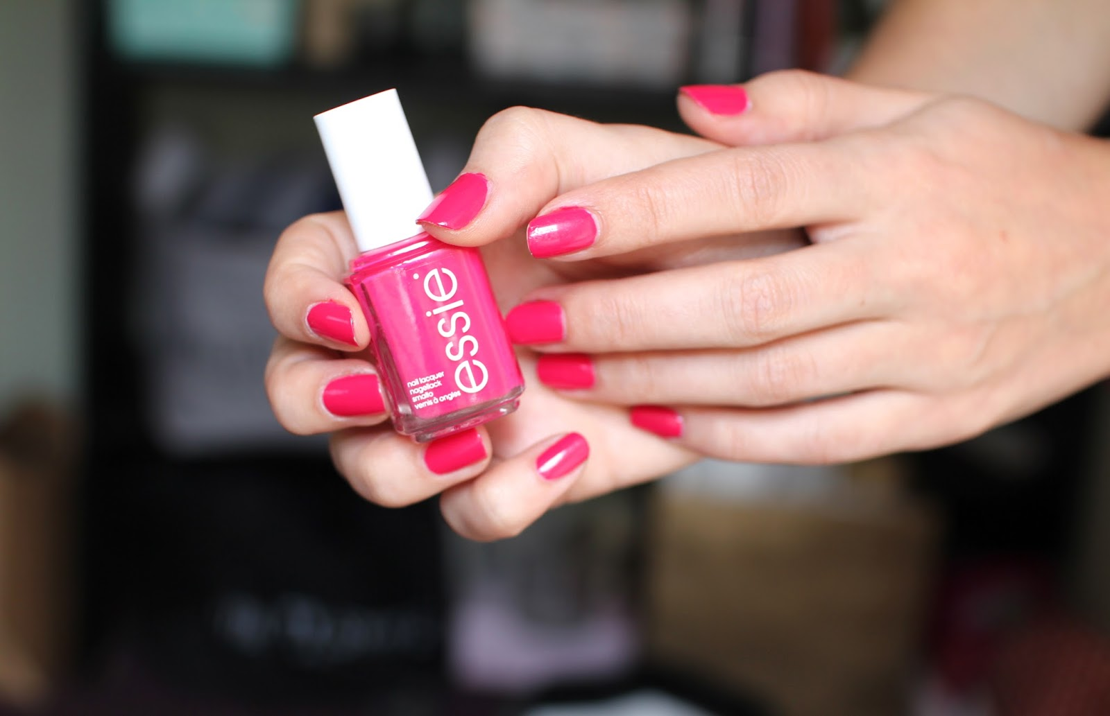 Essie Watermelon Lily Pebbles