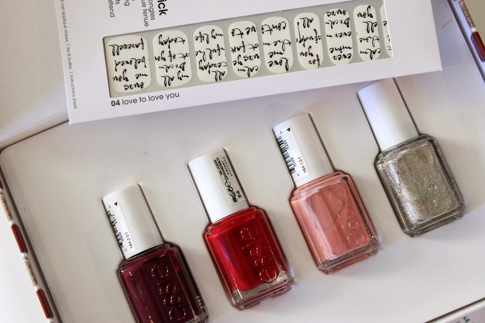 Essie Nail Polish Set Christmas – Papillon Day Spa