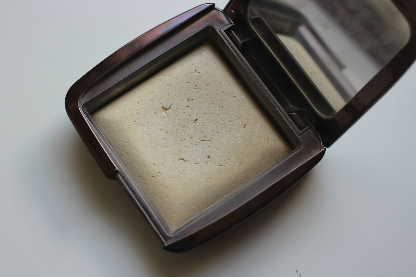When Hourglass First Released Their Ambient Lighting Powders I Was First In  Line To Pick My Shade. I Absolutely Loved The Idea Of Light Weight Powders  That ...