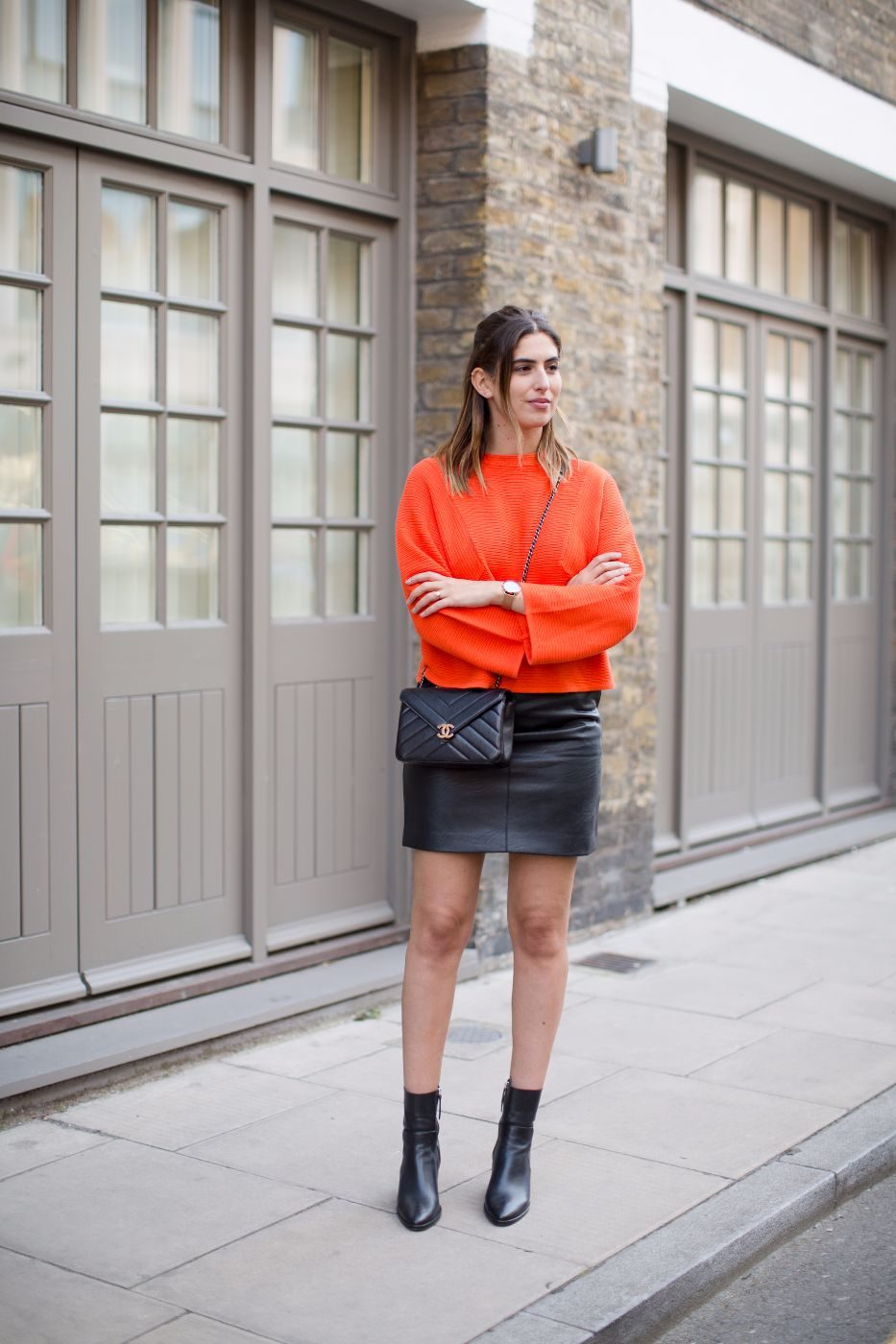 lily-pebbles-styling-leather-skirt-3-ways-video-fashion-march-2017-25